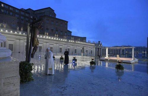 papa-francesco-benedizione-san-pietro
